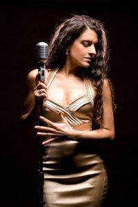 Ana Leon