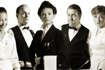 Café Kølbert Comedy Waiters