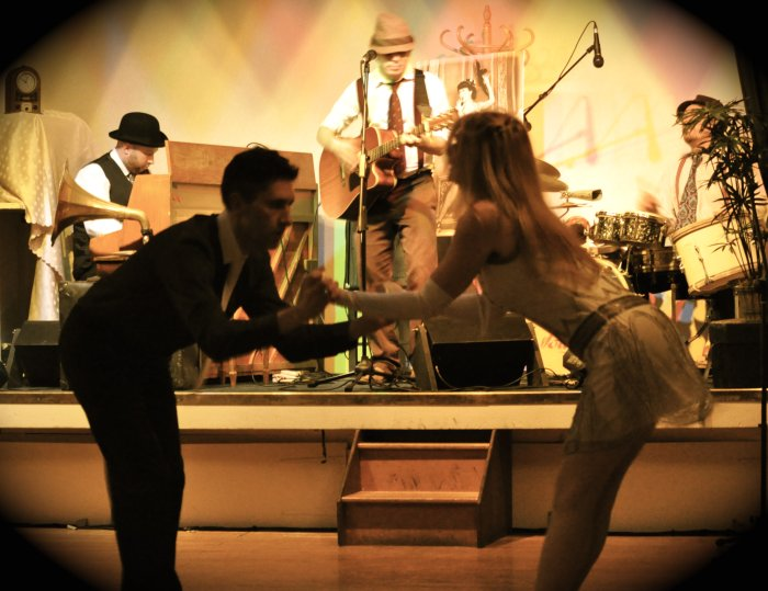 52 Skidoo : photo : For dancing