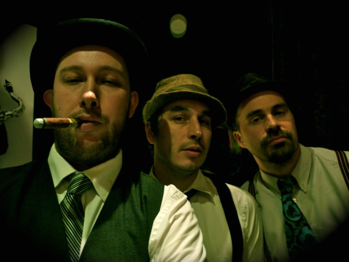 52 Skidoo : photo : 1920's indie band photo!