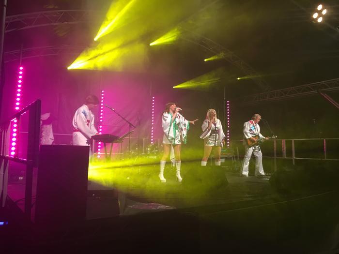 4. Live Festival Headline Act