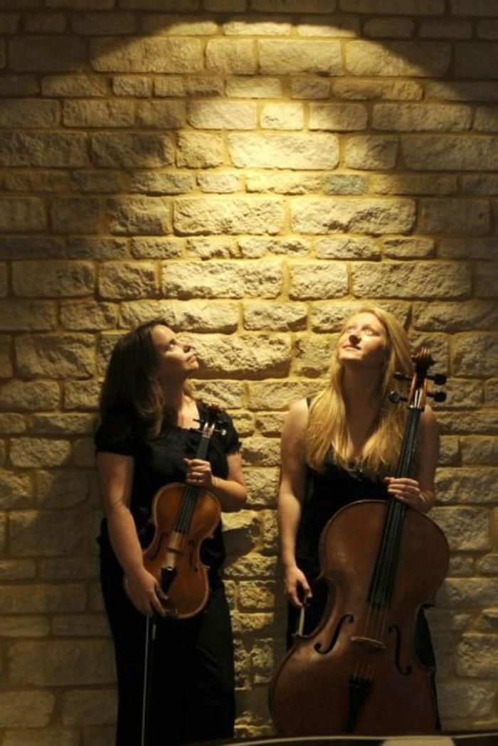 1. Akina String Duo