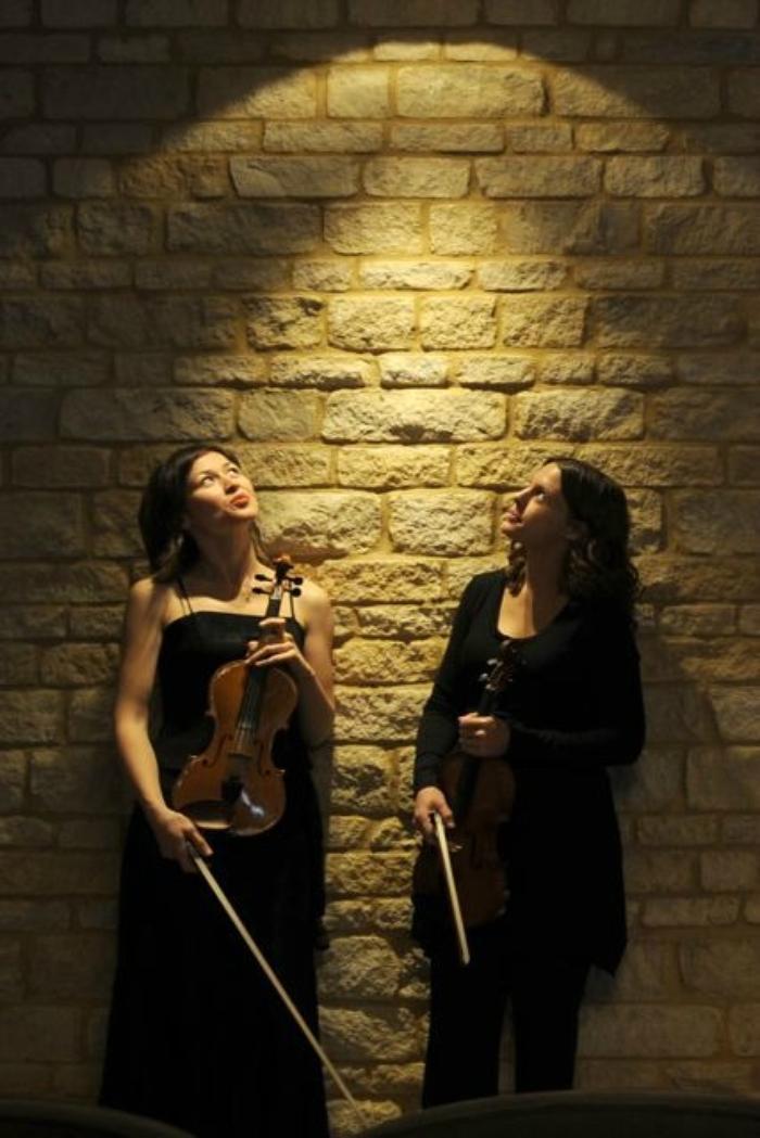 2. Akina String Duo