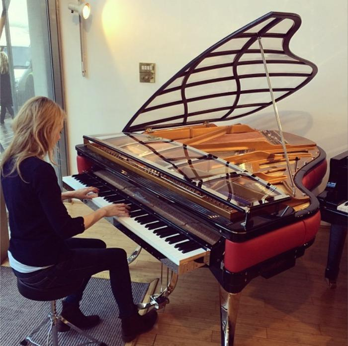 1. Alice Piano 2