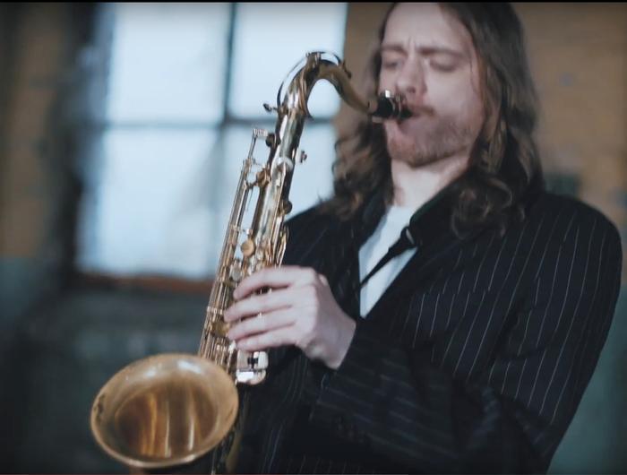 6. Sax