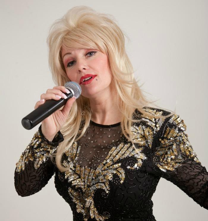 Andrea Pattison is Dolly Parton : main Freak Music profile photo