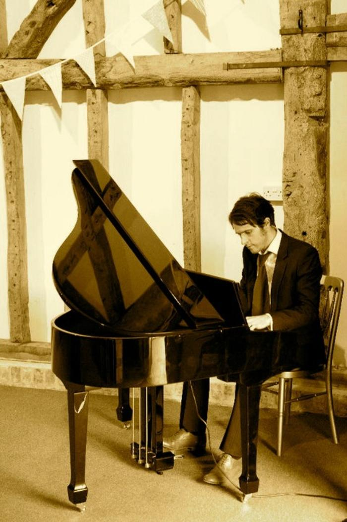 6. Piano