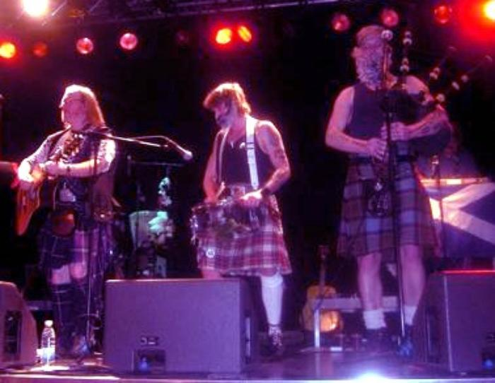 2. Beggars Row live in Scotland