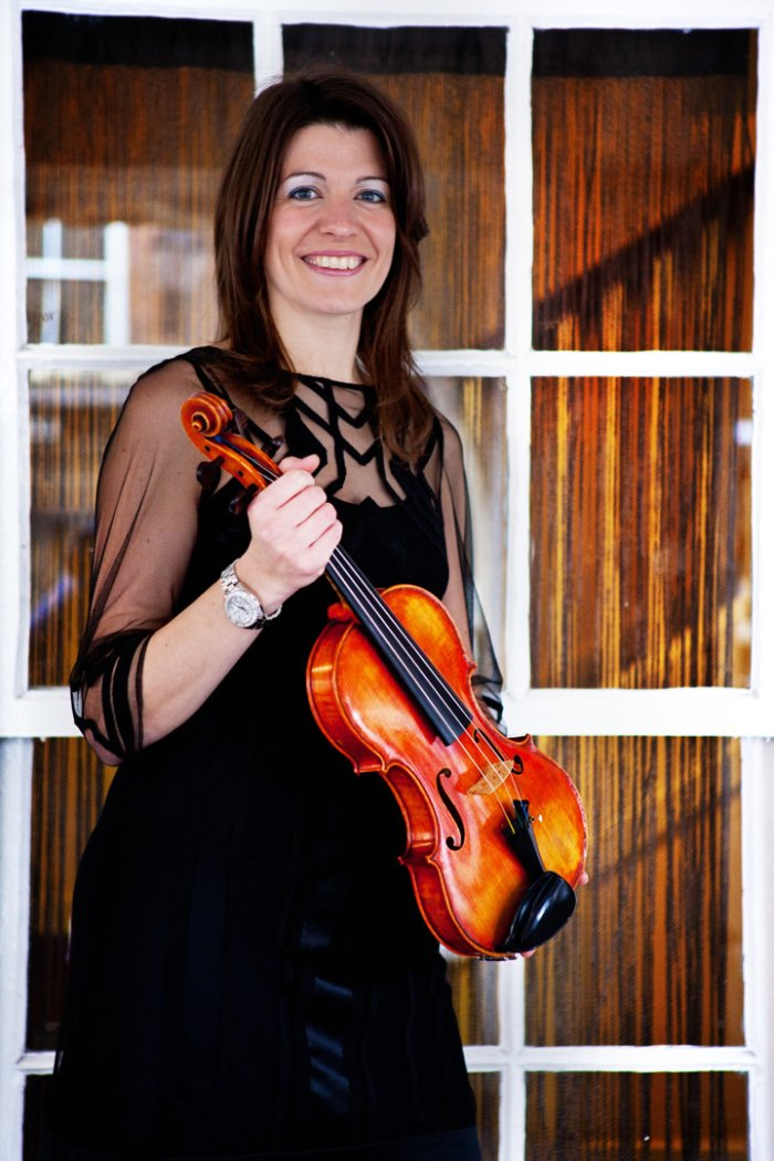 Claire Stranger-Ford - Solo Violinist : photo : CSF 3