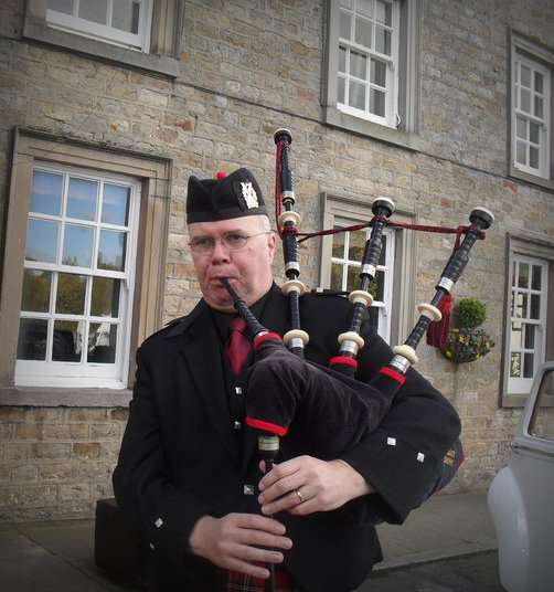Colin The Piper : photo : Colin