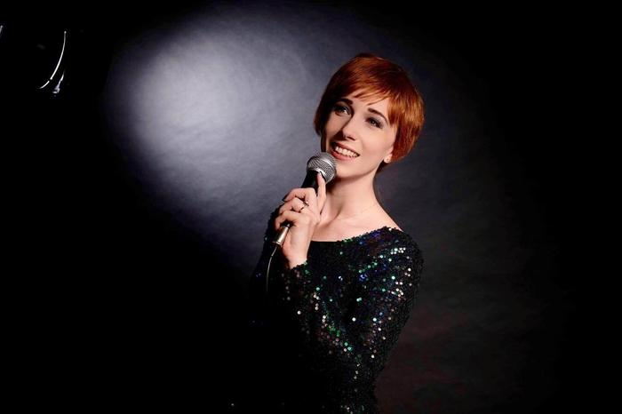 Dame Julie Andrews : main Freak Music profile photo