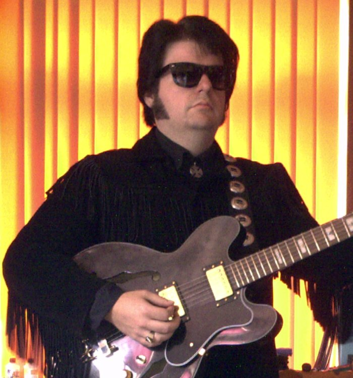 Danny Fisher is Roy Orbison : photo : Roy Orbison