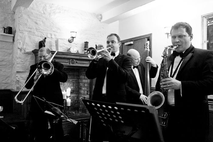 2. Darren Lloyd Dixieland Band
