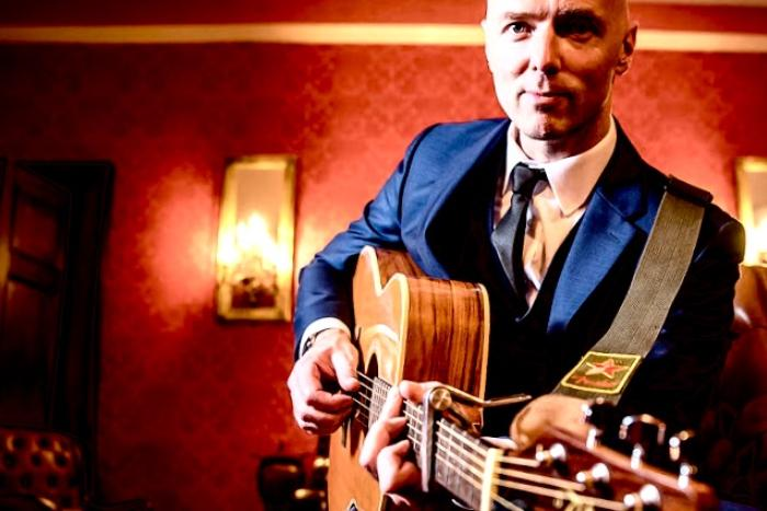 4. Dave Smith Live - Guitarist Singer