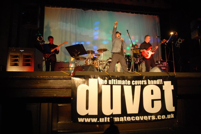 Duvet : photo : In Front on the Band