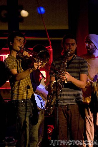 Extra Love Reggae Afrobeat Band : photo : The Horns