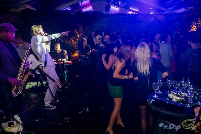12. Kensington Roof Gardens (Virgin) New Years Eve 2015 - Main House Band since 2012