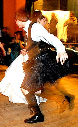 Funkeilidh Ceilidh Band : photo : Wedding Couple Spinning