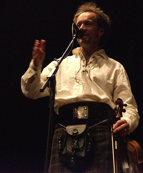 Funkeilidh Ceilidh Band : photo : Bruce - Calling & fiddle
