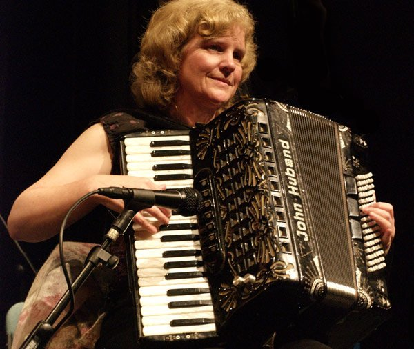 1. Yvonne - accordion