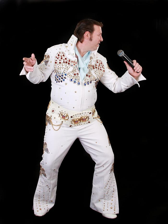 Gary Collins is Elvis : photo : Gary Collins