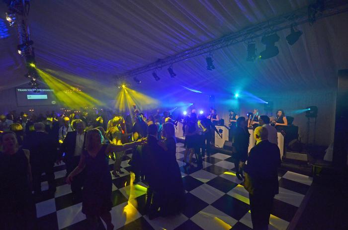 6. Filling the dance floor