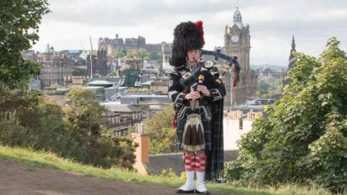 1. Edinburgh Piper Glyn Morris, Calton Hill