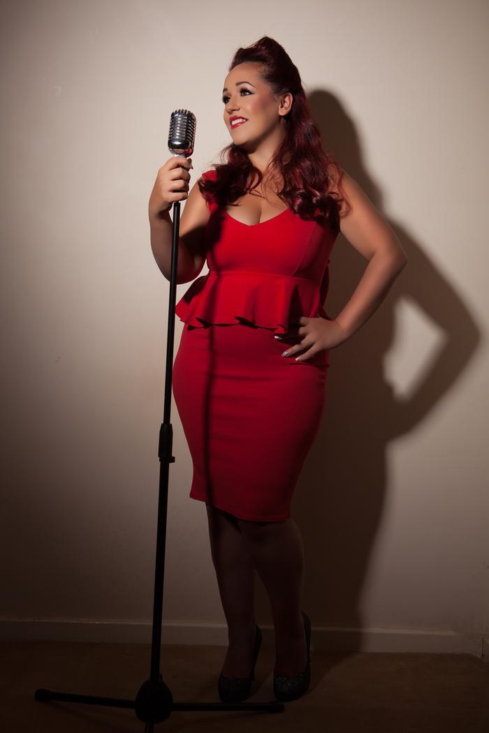 1. Holly Jayne Singer Warwickshire
