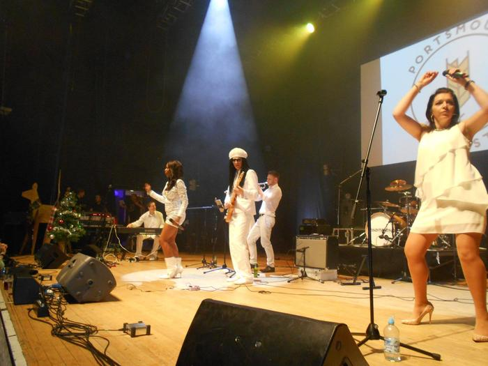 4. Le Freak - Disco band &Tribute to CHIC