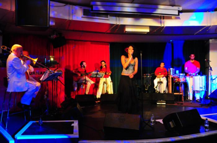 2. Performing with  7-piece band Sambaviva