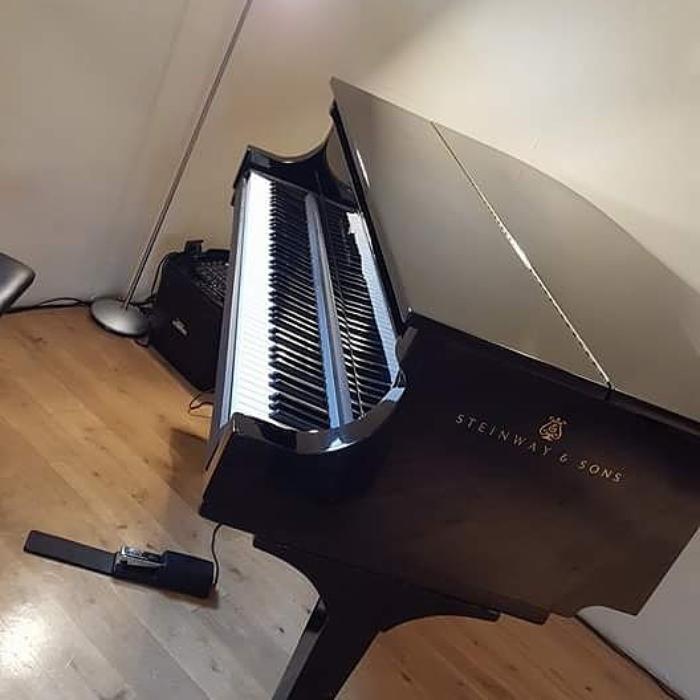 3. Baby grand piano shell