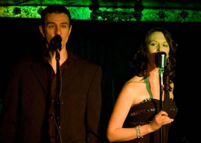 6. Duo Singers