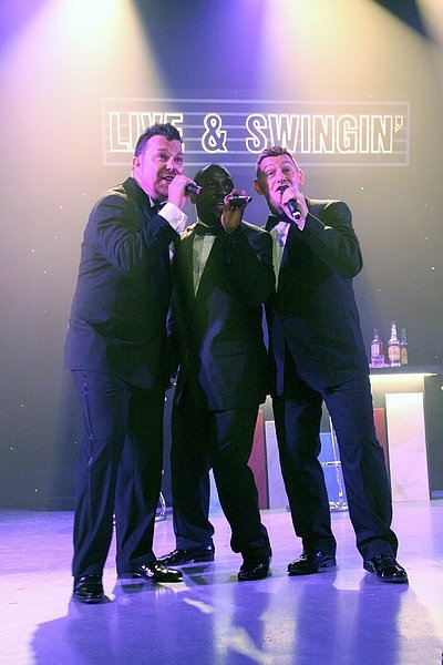 1st Call Live and Swingin' : photo : L&S on stage