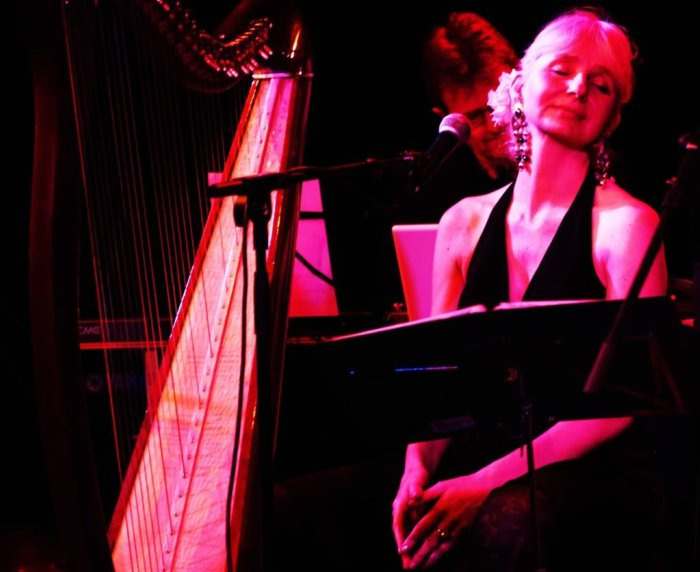 Magdalena Reising : photo : harp solo