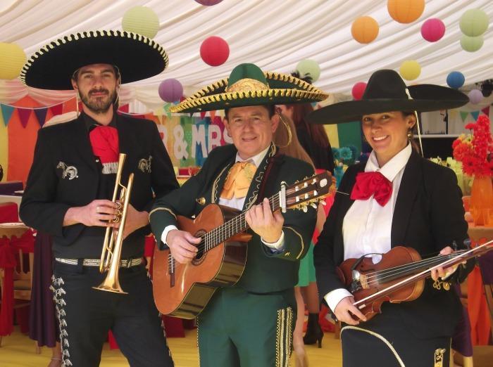 1. mariachi rey colores