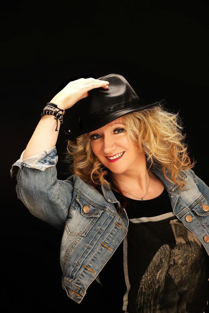 5. Marj - Excellent Solo Female Vocalist