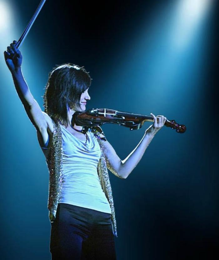 2. Naomi Live