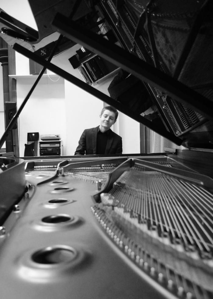 2. Solo Piano