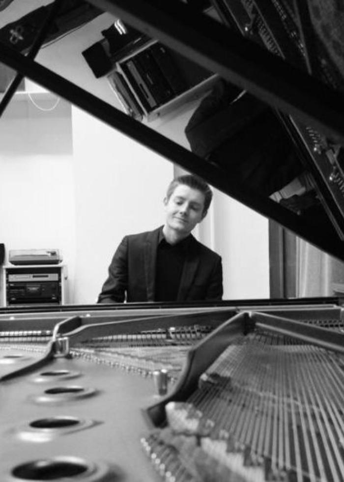1. Solo Piano