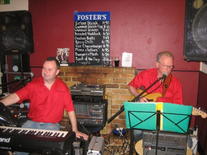 Off The Rails : photo : Local Pub Gig