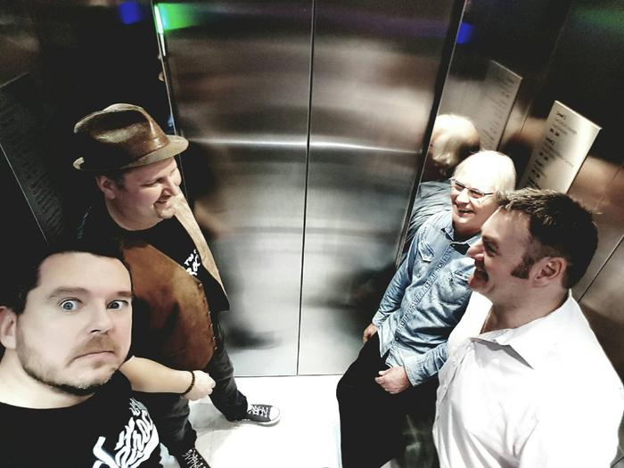 9. Band in a lift