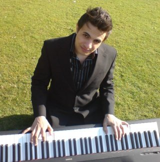 Paul Rahme : photo : Paul Rahme - pianist for any occasion