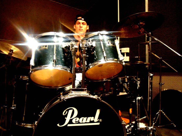 Philips Man and Nanacere : photo : Drums - Tobi