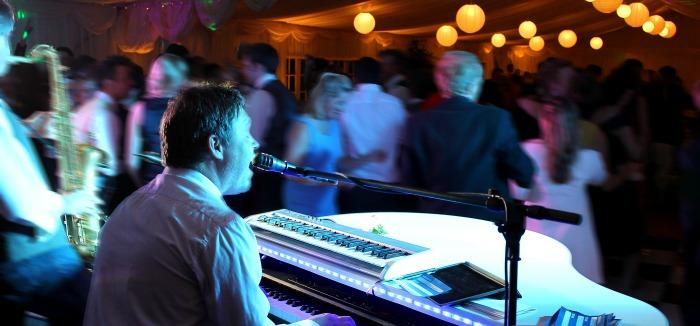 Pianofactor : photo : Wedding Band Hire