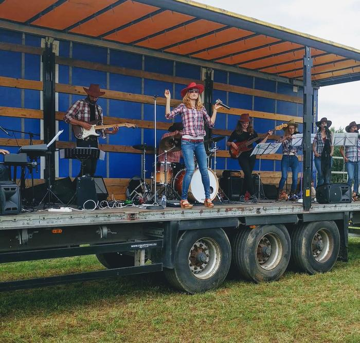 12. Band on a lorry