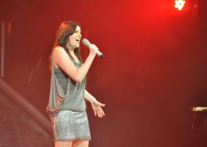 7. Rachel Silva performing