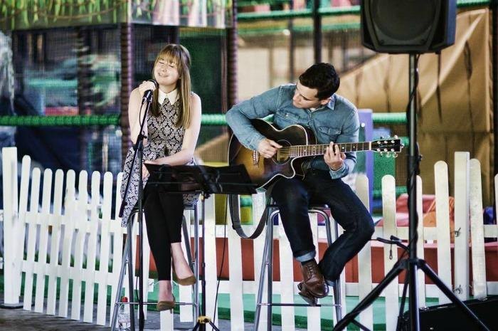 5. replay acoustic duo