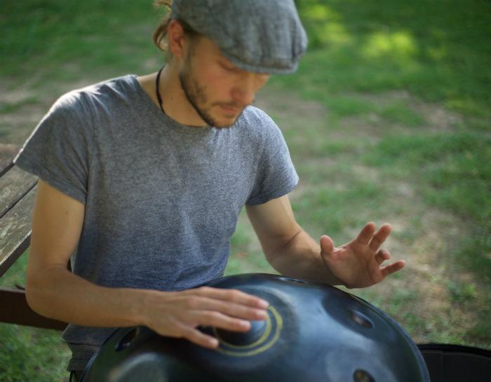 1. Rob Senior - Handpan Player
