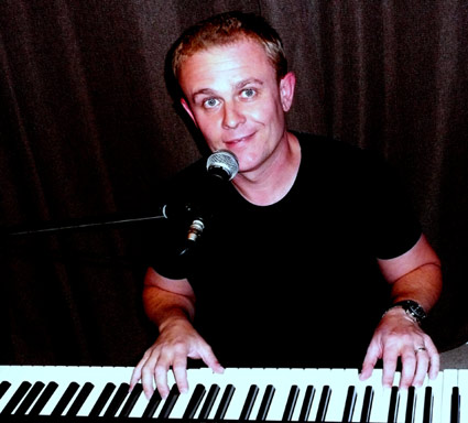 Simon Armitage : main Freak Music profile photo