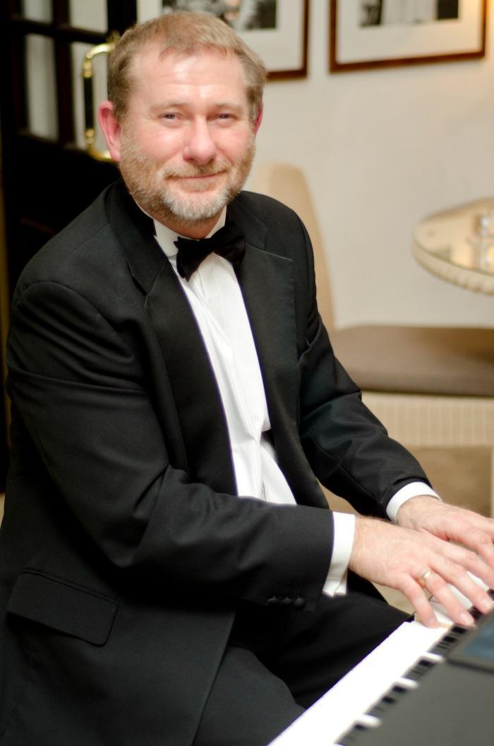 Simon Fricker : main Freak Music profile photo